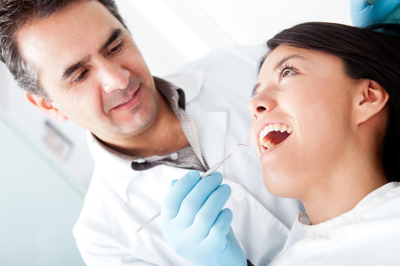 Dentysta z pacjentem
